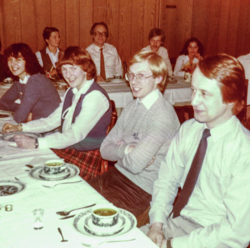 1977 - Einstellung des ersten Auszubildenden